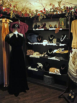 Laurie Perry - Vintage Dream Closet