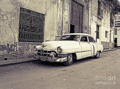 Vintage car by Sergey Korotkov
