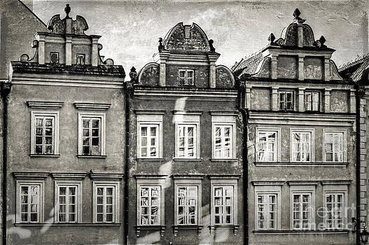 Warsaw Old Town Kanonia Street by Izabela Kaminska