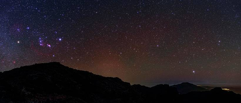 Night Sky Over La Palma by Babak Tafreshi