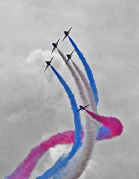 Red Arrows by Simon Hackett