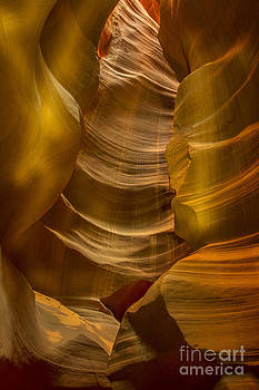 Antelope Canyon by Daniel  Knighton