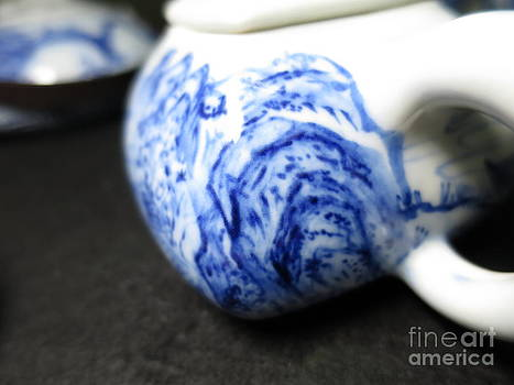 Champion Chiang - blue and white porcelain