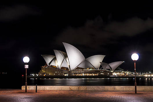 Sydney Opera House by Gej Jones
