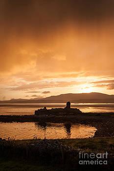 A castle ruin in Ireland by Mark Fearon