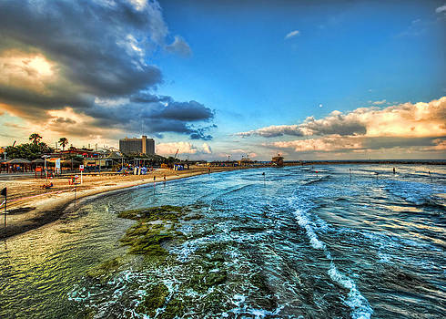 a good morning from Hilton's beach by Ron Shoshani
