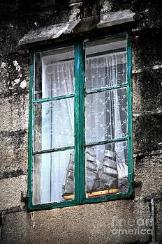 RicardMN Photography - A ship in the green window