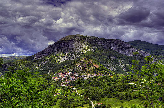Matt Swinden - A Tuscan Village on the Hillside