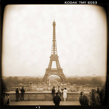 A Walk Through Paris 5 by Mike McGlothlen