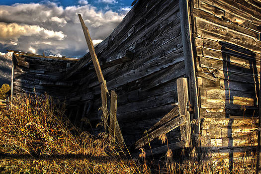 Abandoned Building Fort Steele by Rob Tullis