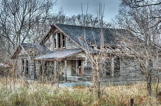 Abandoned Farmhouse by Lisa Moore