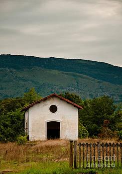 Abandoned Railway House in Italy by Emilio Lovisa