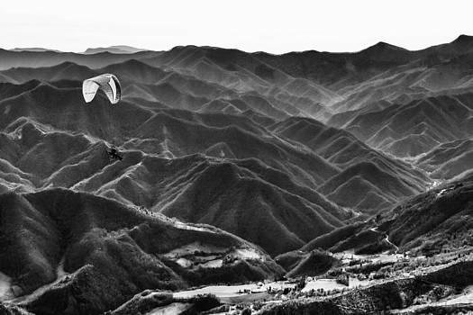 Above the mountain by Andrea Bonavita