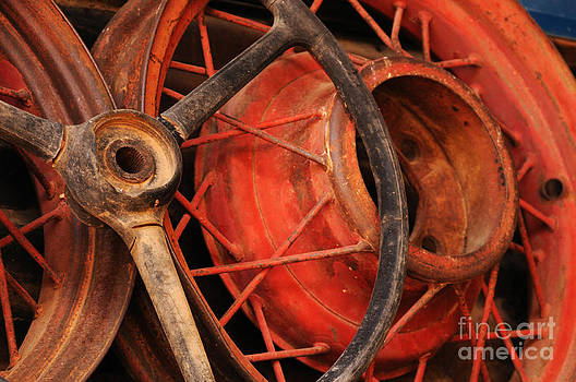Vivian Christopher - Wheels Close-up