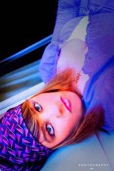 Nicole Frischlich - Accusing - Anklagend - Self-Portrait