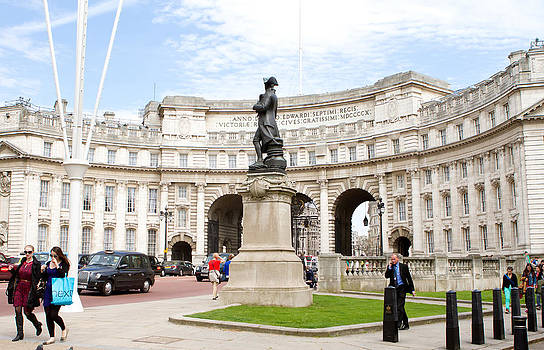 Fizzy Image - admiralty arch