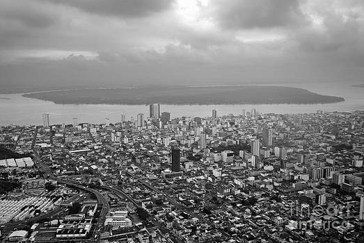 Sami Sarkis - Aerial view of Guayaquil city