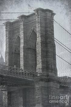 Sophie Vigneault - Aged Brooklyn Bridge