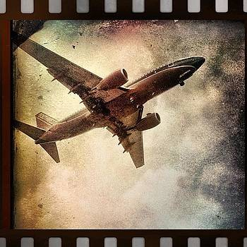 #airplane #airport #travel #instamood by Lauren Dsf