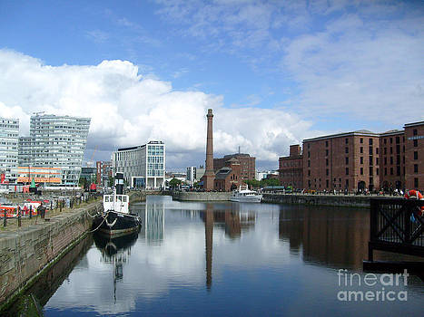 Albert Dock Liverpool. by Tony Hoy