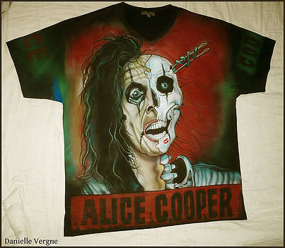 Alice Cooper airbrushed t-shirt by Danielle Vergne