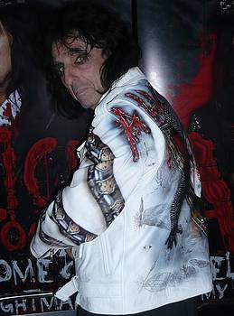 Alice Cooper wear a airbrushed leather jacket by Danielle Vergne by Danielle Vergne