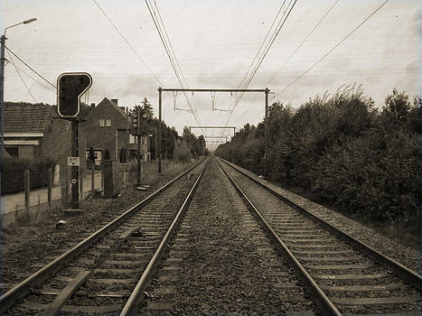 Along the railroad by Fabian Cardon