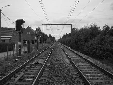 Along the railroad In black and white by Fabian Cardon