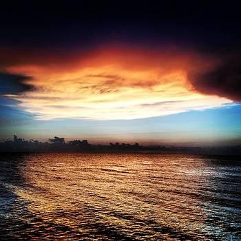 Amazing sky by Justine Prato