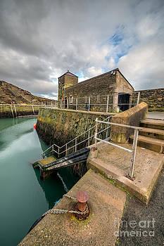 Adrian Evans - Amlwch Port Lighthouse
