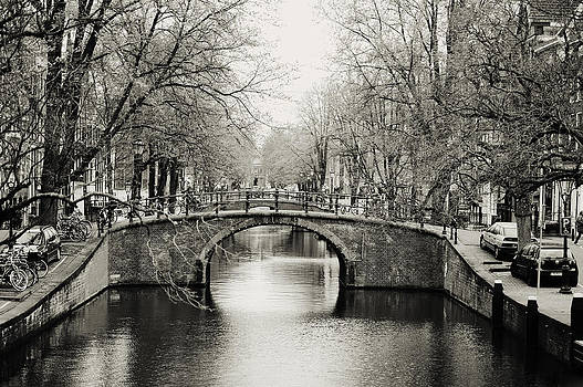 Jenny Rainbow - Amsterdam Canal