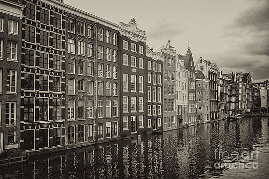 Patricia Hofmeester - Amsterdam houses on a canal