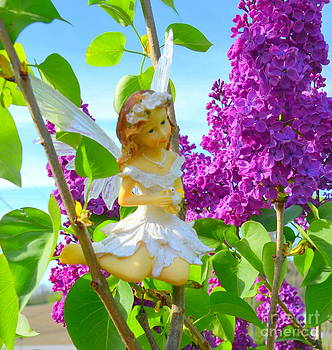 Linda Rae Cuthbertson - Angel in the Lilacs - Woodland Fairies Series