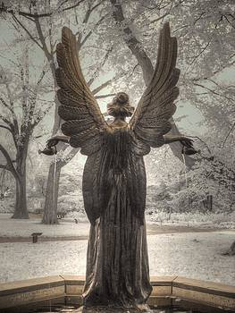 Angel statue by Jane Linders