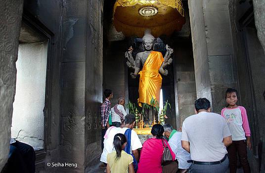 Angkor Pray by Seiha Heng