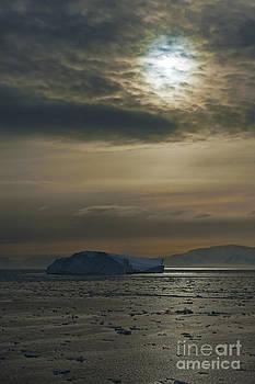 Nina Stavlund - Antarctic Colors...