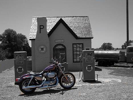 Antique Gas Station by Trevor Hilton