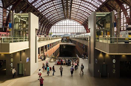 Antwerp-Centraal Station by Paul Indigo