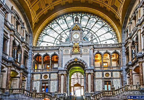 Pravine Chester - Antwerpen-Centraal