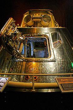 Apollo capsule  by Dan Quam