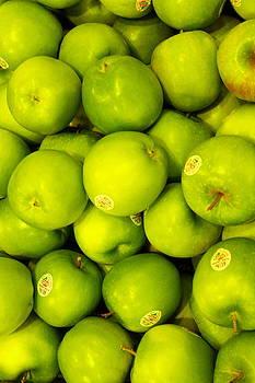 Apples by Yemi Kim
