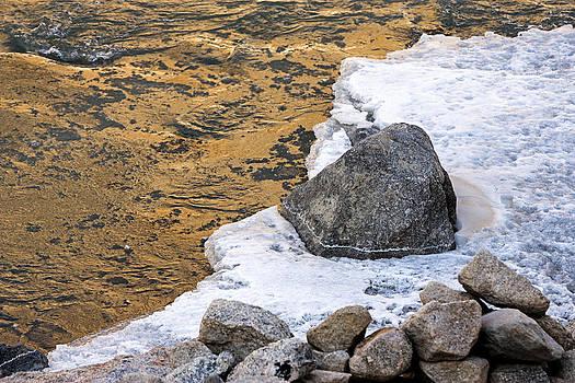 Golden water by Hitendra SINKAR