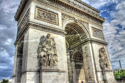 Ines Bolasini - Arc de Triomphe