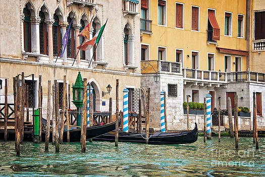 Delphimages Photo Creations - Arrival in Venice