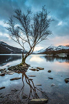 As Darkness Falls over Llyn Padarn by Christine Smart