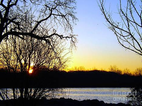 Robyn King - At Daybreak On The Delaware River