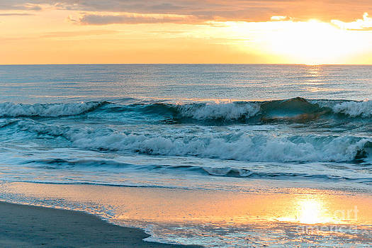 DJ Laughlin - Atlantic Ocean Sunrise Myrtle Beach