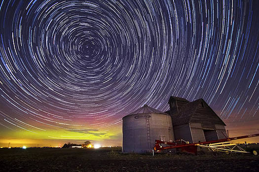 Auroras Over Agriculture by Evan Ludes