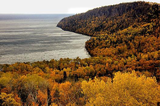 Matthew Winn - Autumn on the North Shore