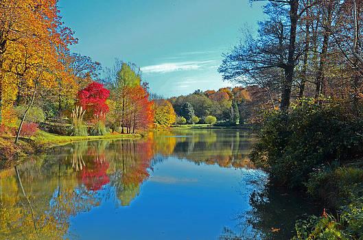 Autumn over the Lake by Kivanc Ekinci